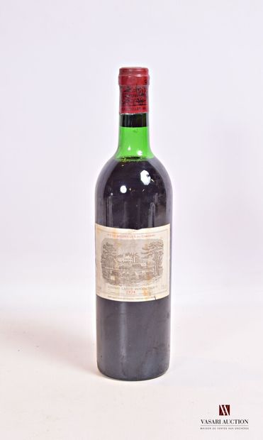 1 bouteilleChâteau LAFITE ROTHSCHILDPauillac 1er GCC1974  Et. un peu fanée et...