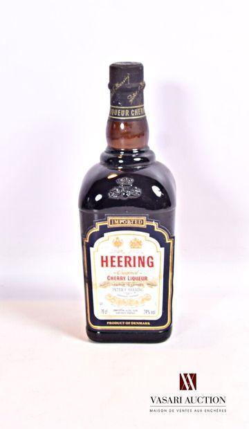 1 bouteilleLiqueur de cerises HEERING (Danemark)...