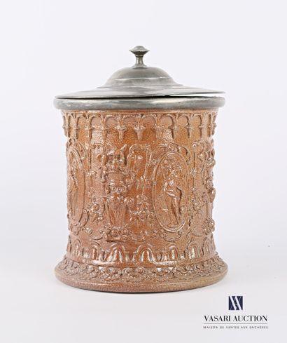BEAUVAIS  Pot à tabac de forme cylindrique...