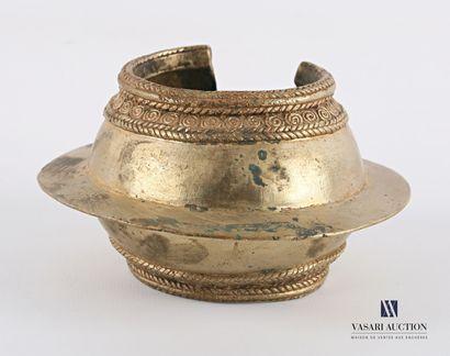 MOSSI- BURKINA FASO  Bracelet en bronze cintré...