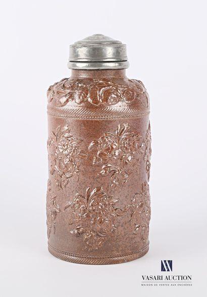 BEAUVAIS  Pot à tabac à grès de forme bouteille,...