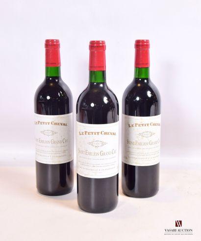 3 bouteillesLE PETIT CHEVALSt Emilion GC1997...