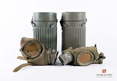 Allemagne; deux conteneurs de masque a gaz...