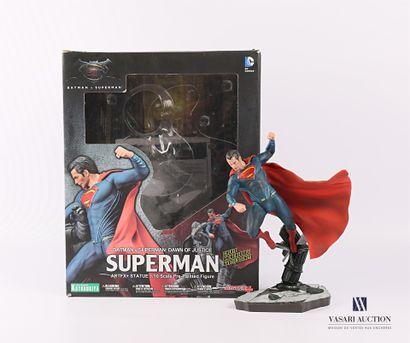 KOTOBUKIYA - ARTFX PLUS  Figurine de Superman...