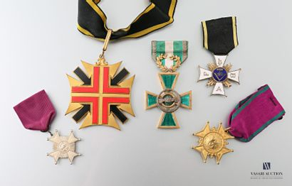Lot de cinq médailles Franc-Maconnes en bronze...