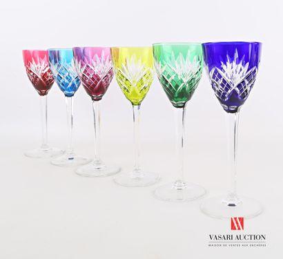 SAINT LOUIS  Suite de six verres à vin du...