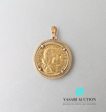 Pendentif en or jaune 750 millièmes serti...