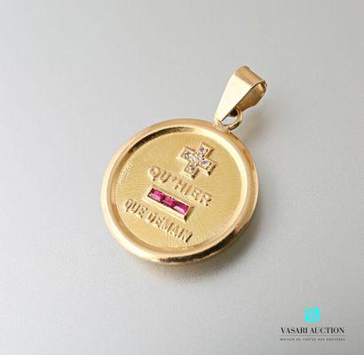 A. Augis, médaille d'amour ronde en or jaune...