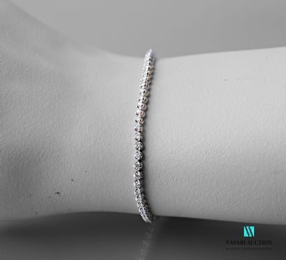 Bracelet ligne en or blanc 750 millièmes...