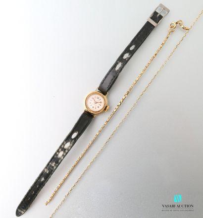 Lot en or comprenant une montre de femme...