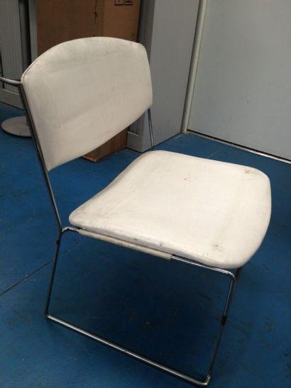 CHAISE skaï blanc structure métal, assise...