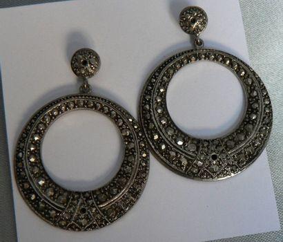 Paire de pendants d'oreille anciens en argent,...