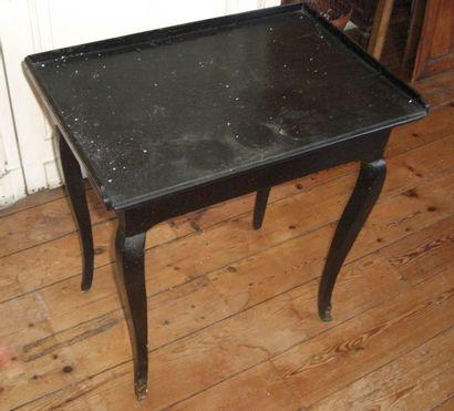 Table cabaret en bois noirçi
