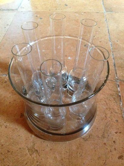 Coupe en cristal et ses 6 verres à vodka...