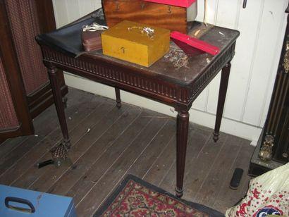 Table plateau cabaret style Louis XVI