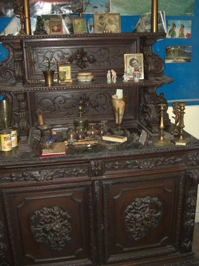 mobilier de salle à manger de style Louis...