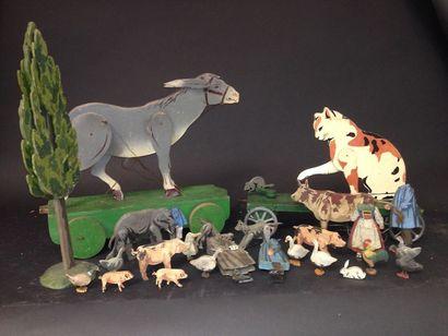 Lot de jouets articulés en bois peint  figurant...