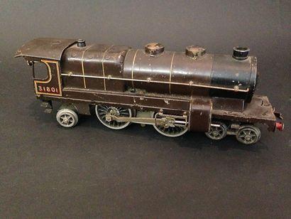 HORNBY : locomotive 221  Moteur locomotive...