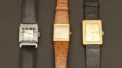 Lot composé de trois montres :  - MAJIC montre...