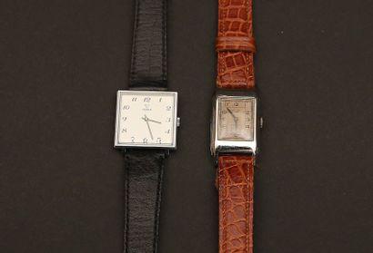 Lot composé de deux montres:  - CYMA rectangulaire...