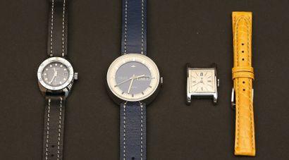 Lot composé de trois montres:  - MONDIA Kandahar...