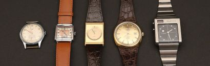 Lot composé de cinq montres:  - ZENITH Quartz...