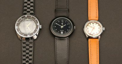 Lot composé de trois montres :  - Comète...