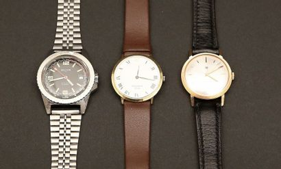 04 - Lot composé de trois montres :  - LIP...