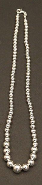 Collier dit «marseillais» en perles d'argent...
