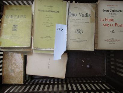 Caisse de litterature brochée