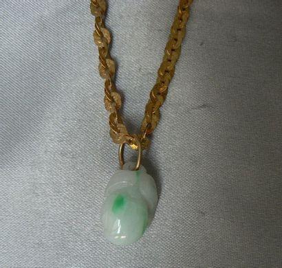 Lot en or jaune, composé d'un collier à maille...