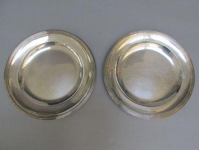 Paire de plats creux de forme ronde en  argent...