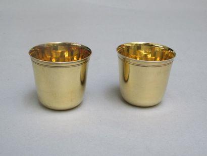 Paire de timbales en argent doré uni, le...