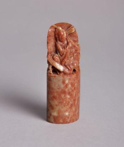 CHINE  Sceau sculpté en stéatite à décor...