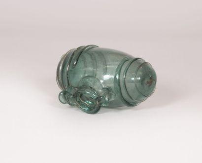 Tonnelet en verre soufflé teinté vert bullé...