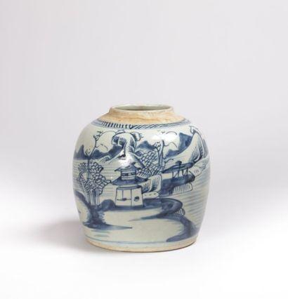 CHINE  Pot à gingembre en porcelaine à décor...