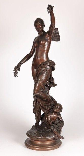 DEVAUX P. Psyché Bronze à patine médaille...