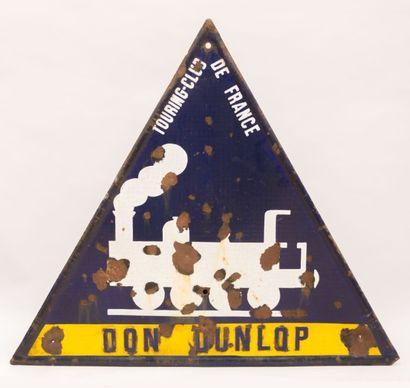 Plaque émaillée de forme triangulaire marquée...