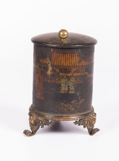 Boîte cylindrique en bois laqué polychrome...