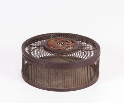 CHINE  Cage à grillons en bois  Porte un...