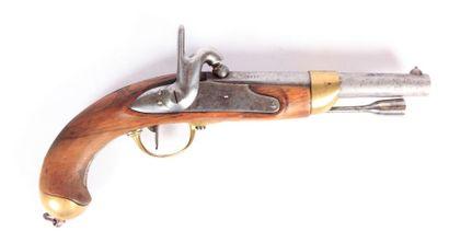 Pistolet réglementaire français de cavalerie...