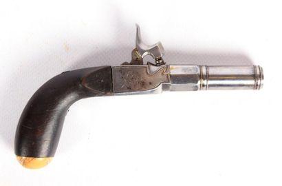 Pistolet à coffre - canon octogonal puis...
