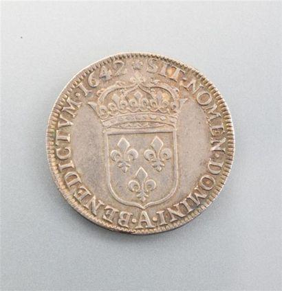 Demi ecu d'argent au buste drapé - LOUIS XIII le Juste 1610-1643 - 1642 Diam. :...