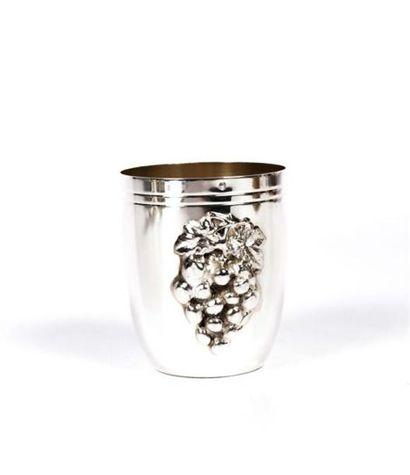 Timbale en argent de forme tronconique, la...