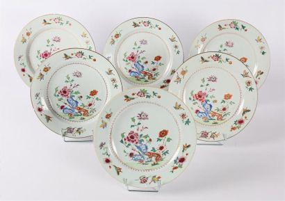 COMPAGNIE DES INDES  Six assiettes en porcelaine...