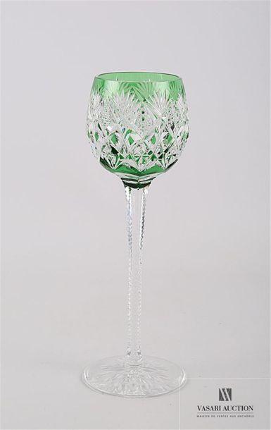 SAINT LOUIS Suite de douze verres à vin du...