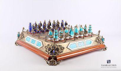 Important jeu d'échecs en argent et vermeil...