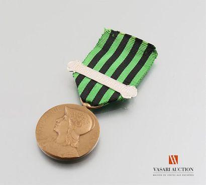 France - Médaille commémorative de la guerre...