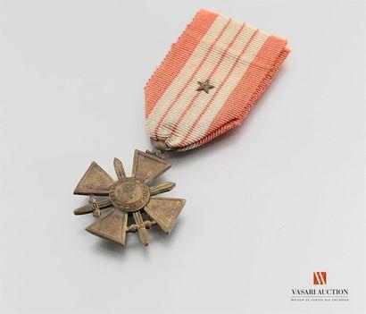 France - Croix de guerre 1939-1945, ruban...