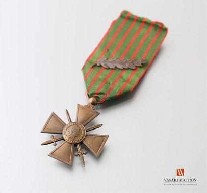 France: croix de guerre 1914-1916, ruban...